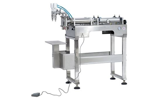 Picture of Stand type two heads liquid filling machine